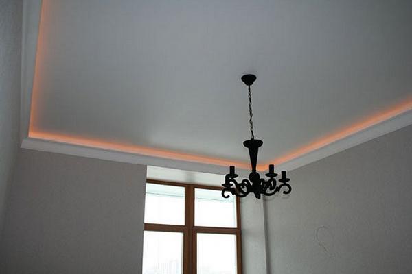 Фото белого матового натяжного потолка