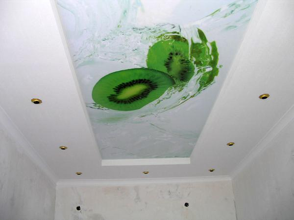 Сочные цвета на потолке