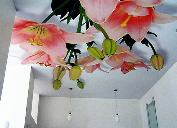 Арт печать на натяжных потолках - букет цветов