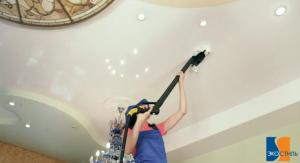 Уборка натяжных потолков пылесосом
