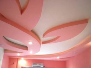 дизайн многоуровневого потолка гостиной