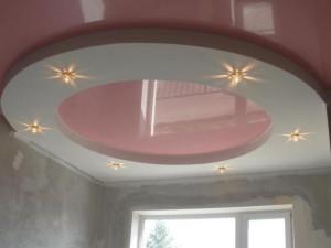 Так выглядит потолок из ПВХ пленки