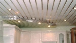 Алюминиевый реечный вид потолка