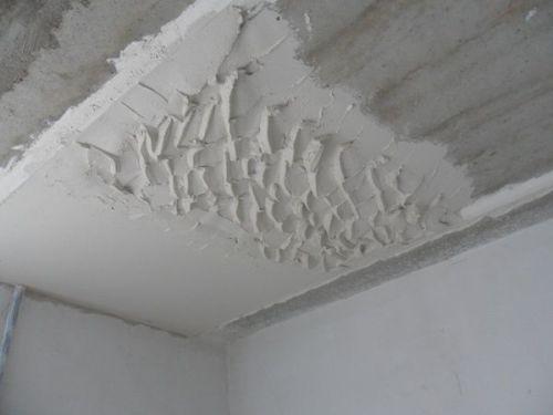 штукатурка потолков цементным раствором