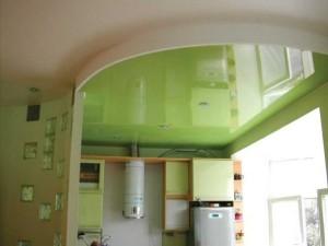 Зеленая натяжная конструкция