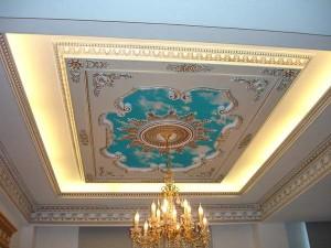 Потолок в древнем стиле