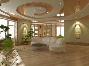 Подвесной потолок в доме из дерева