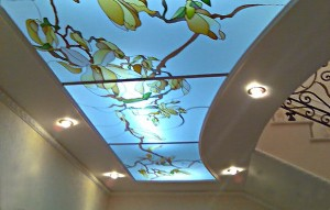 Витражный потолок - сказочная, но дорогая красота