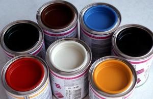 Какая краска для потолков и стен лучше?