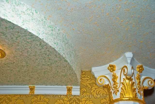 Дизайн потолка из жидких обоев