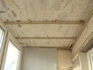 Монтаж каркаса, для обшивки потолка пластиковыми панелями