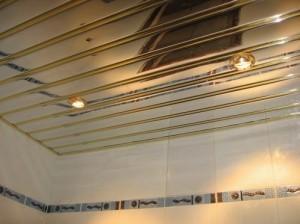Алюминиевый зеркальный реечный потолок — преимущества и недостатки конструкции