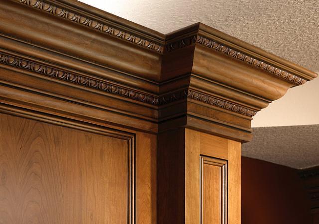 Деревянный потолочный плинтус советы по применению