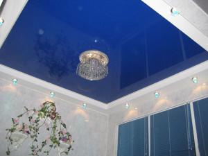 Установленный потолок ПВХ