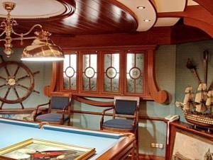Дом напоминающий палубу