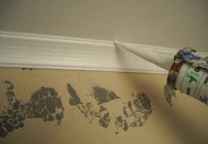 Как стыковать потолочный плинтус правильно и красиво?