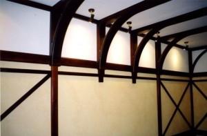 Изысканный декор потолка и стен