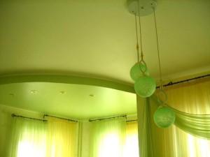 Зеленое сатиновое полотно