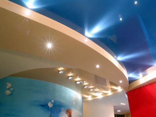 Цветные потолки из гипсокартона фото